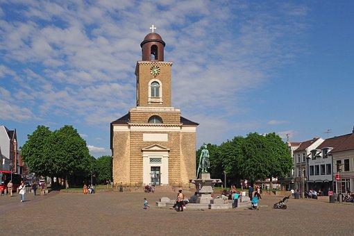 St Mary's Church, Tinebrunnen, Tine, Landmark