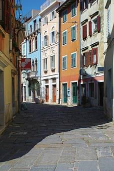 City, Buildings, The Old Town, Pediments Buildings