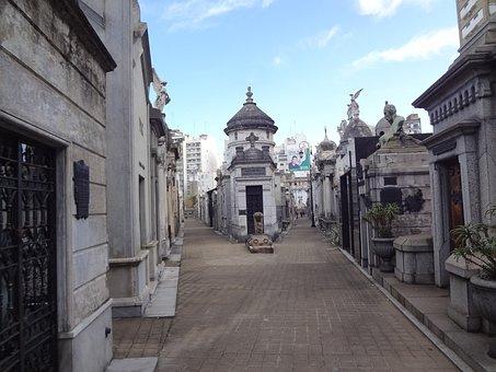 Recoleta Cemetery, Buenos Aires, Tombs