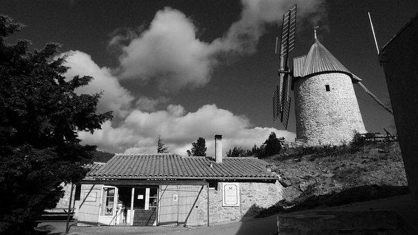 Cucugnan, Cathar, Cathar Country, Mill, Aude, France