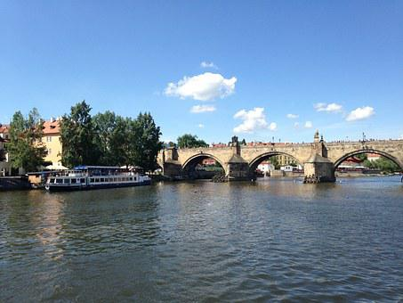 Vltava, Prague, Steamer, River, Charles Bridge, Bridge