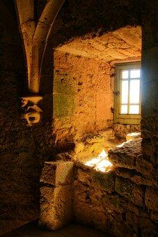 France, Dordogne, Périgord, Bridoire Castle, Window