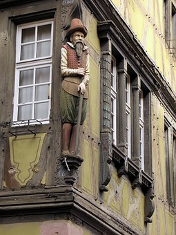 France, Colmar, Alsace, Pinion, Figurine, Stud