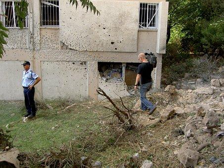 Israel, Lebanon, War, 2006, Bullet Holes, Camera Team