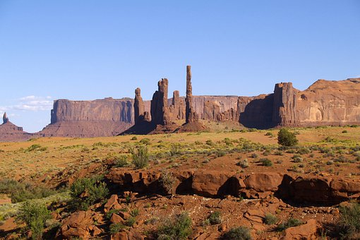 Sand Poles, Three Sisters, Red, Monument Valley, Utah