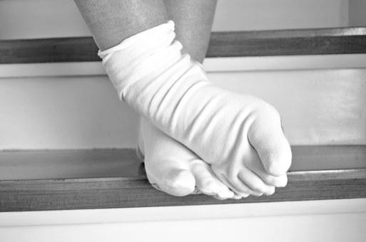 Stairs, Feet, Stand, Wait, Woman, Socks, Ten, Upgrade
