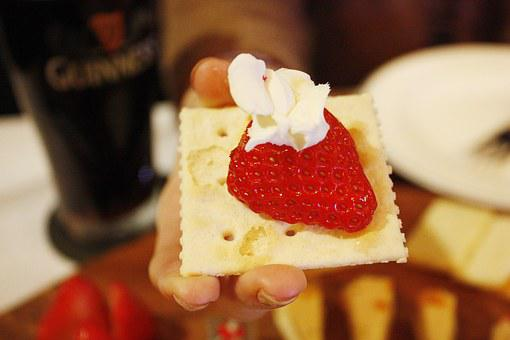 Canapés, Strawberry, Whipped Cream, Snacks, Snack