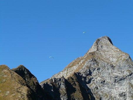 Paragliter, Höfats, Summit, Aelpelesattel, West Summit