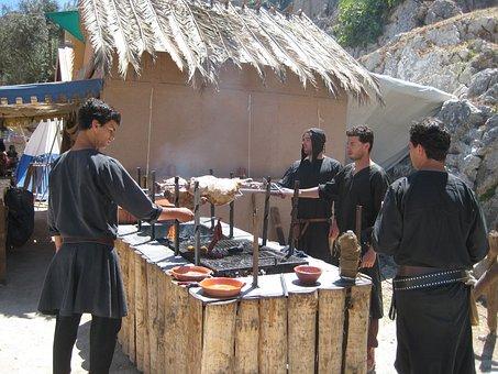 óbidos, Medieval Fair, Popular, Street, Gentlemen