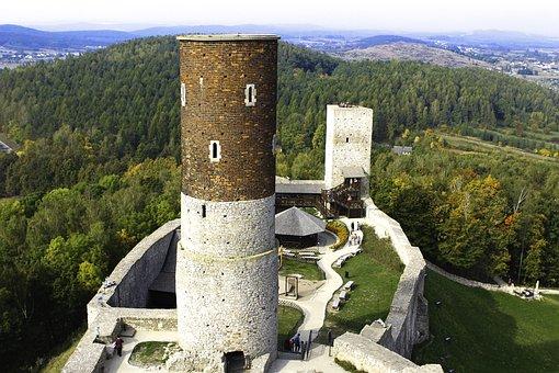 Checiny, Castle, Castle Checiny, Monument