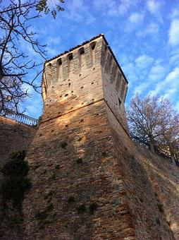 Torre, Walls, Middle Ages, Fortification