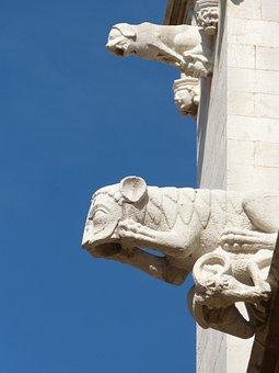 Gargoyles, Gothic, Tarragona Cathedral, Tarragona, Sky
