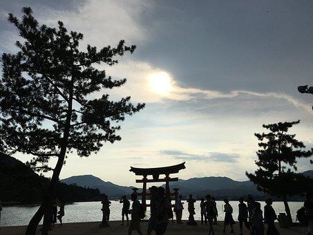 Miyajima, Itsukushima Shinto Shrine, Ryuun