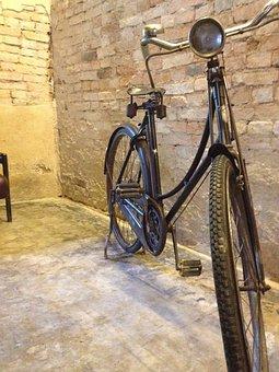 Machine Bike, Antiques, Chan Thabun