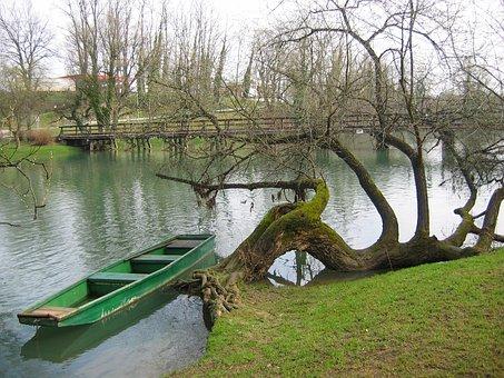 Slovenia, Otocec, River, River Boat