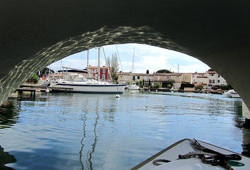 Port Grimaud, Provencal Venice, Lake City