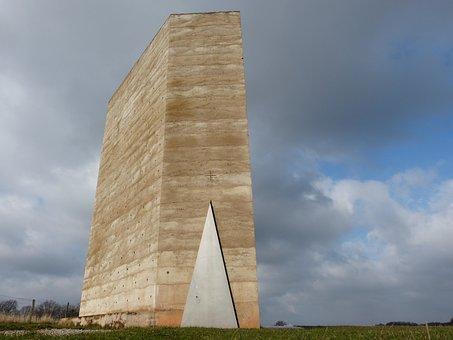 Brother Klaus Chapel, Chapel, Architecture