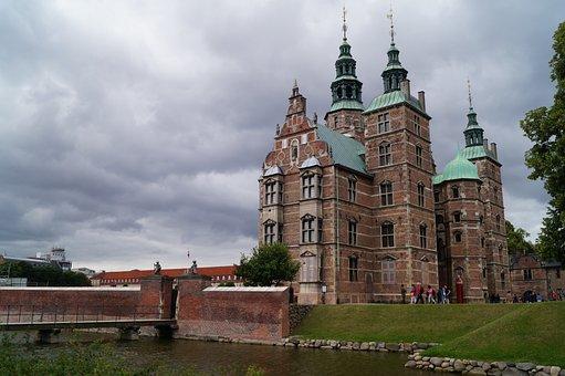Dänermark, Castle, Grey Sky
