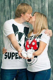 Kiss, Pregnancy, Baby's Bootees, Mickey Mauz, Family