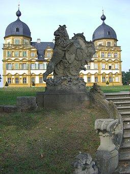 Schloss Seehof, Memmelsdorf, Park, Lion Sculpture