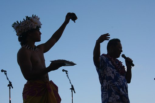 Hawaii, Oahu, Luau, Beach, Singers, Entertainers