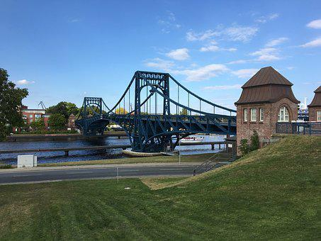 Kaiser Wilhelm Bridge, Wilhelmshaven, North Sea, Coast