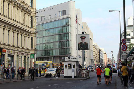 Berlin, Checkpoint Charlie, Berlin Wall Museum