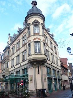 Old Town, Colmar, Bay Window, Corner House