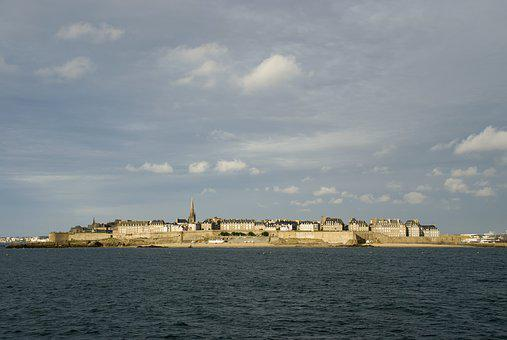 St Malo, Brittany, Pirates, Curtain Wall