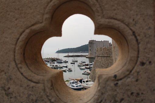 Summer Holiday, Balustrade, Hole, Port, Ships, Blurry