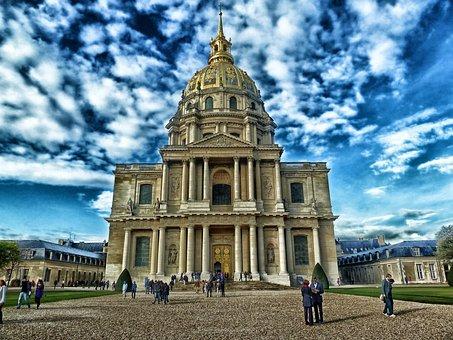 Chapel Of Saint-lous-des-invalides, Paris, France