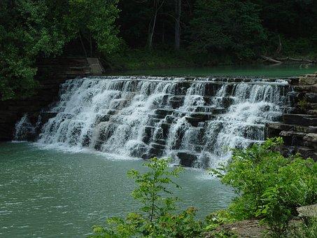 Arkansas, Devils Den State Park, Waterfall, Lee Creek
