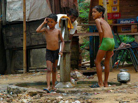 India, Children, Source, Street Scene, Wash, Outdoors