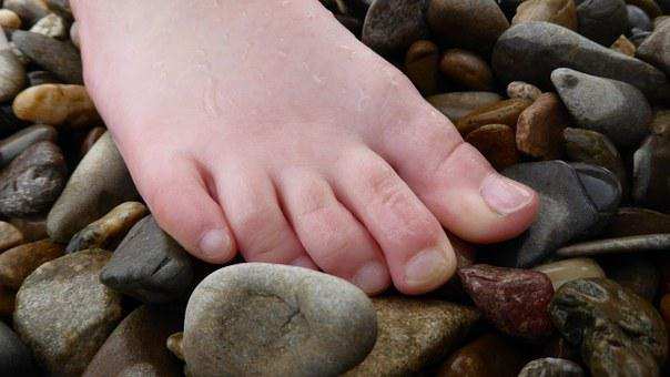 Foot, Ten, Wet, Flushed, Barefoot, Stones, Pebble, Pubs