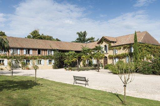 Maison Manechal, Hautes-pyrenees, France, Holidays