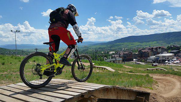 Mountain Biking, Downhill Mountain Biking, Bicycle
