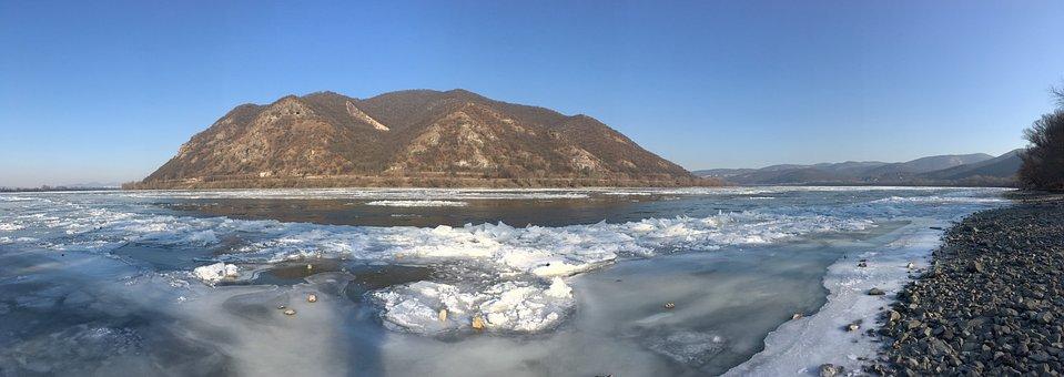 Hungary, Dömös, The Danube Bend, Ice, Ice Zajlás