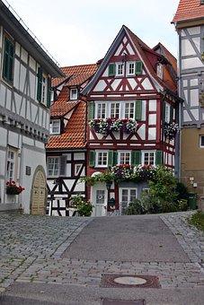 Mr Berg, Old Town, City, Gäu, Korngaeu