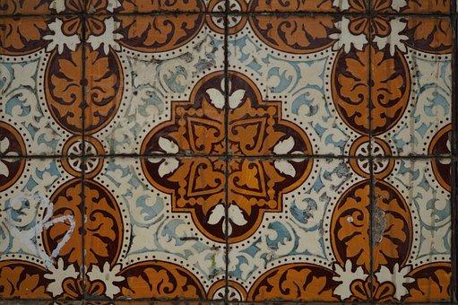 Tiles, Lisbon, Tradition