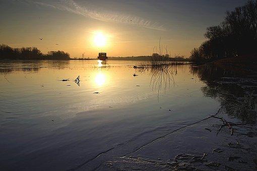 Warsaw, Wisla, Chubby Katherine, Water Intake, Sunrise