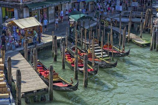 Gondolas, Venice, Water, Italy, Gondolier, Venezia