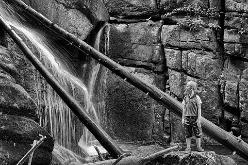 The Child Is Looking Away, Waterfall