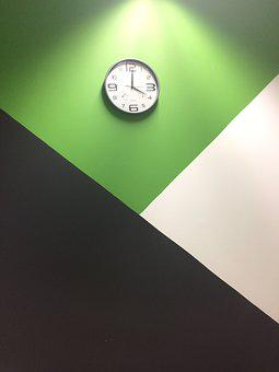 Clock On The Wall, Clock, Centrepiece, Overlap