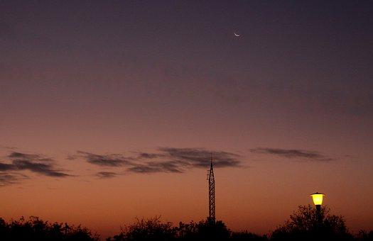 Luna, In The Evening, Sky, Cloud, Landscape, Lantern
