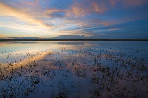 Water Surface, At Dusk, Reflection, Salt Lake, Horizon