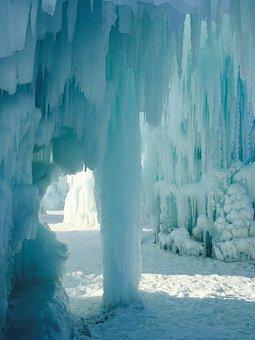 Ice, Castle, Canada