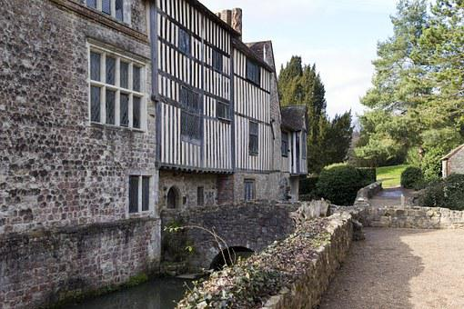 Ightham Mote, Medieval Moated Manor House, Stonework