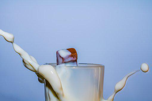 Milk, Candy Bar, Frosted Glass, In Milk Drop, Spray