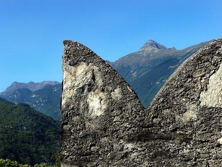 Fortification, Castelgrande, Swallowtail Merlons