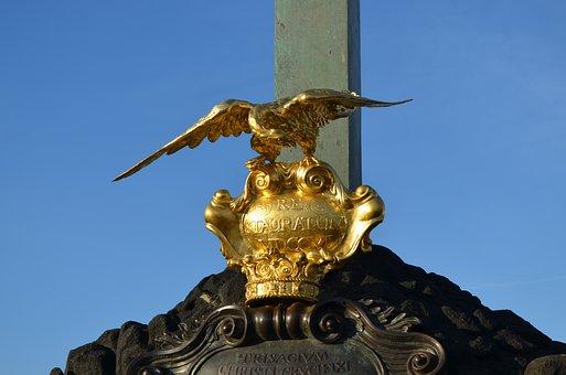 Prague, Karlsbücke, Adler, Crown